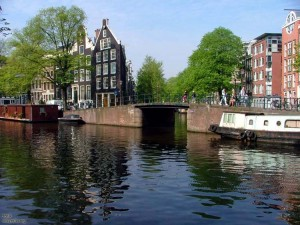 Canals_of_Amsterdam_-_Jordaan_area